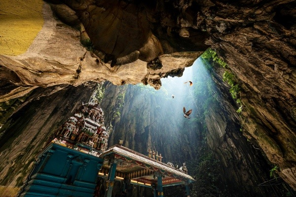 Rock Climb the incredible Batu Cave temple complex in Malaysia (Danny Xeero)
